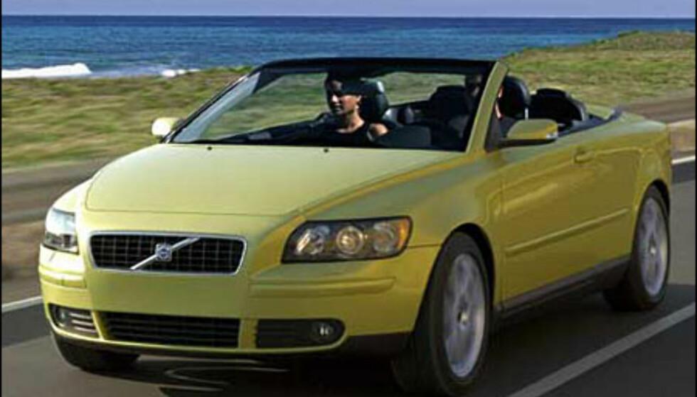 Spennende liten kabriolet fra Volvo basert på nye S40. Skal vises til sommeren (manipulert bilde).