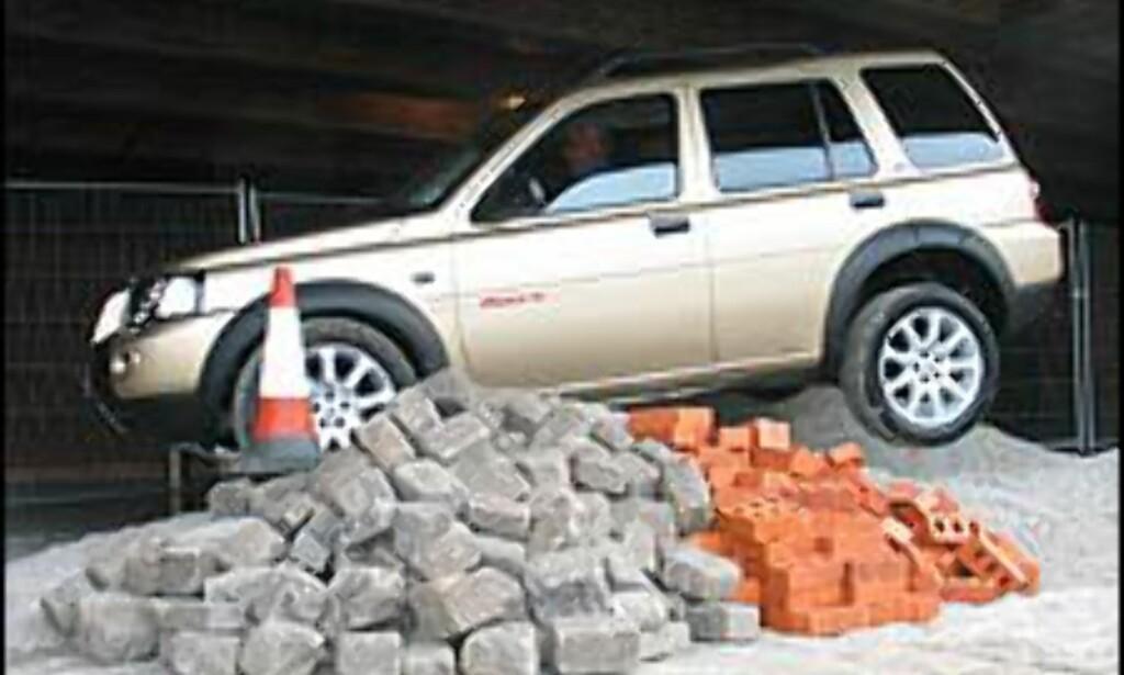 ALENE: Land Rover Freelander er for tiden den eneste europeiske SUVen i 300.000-kronersklassen.