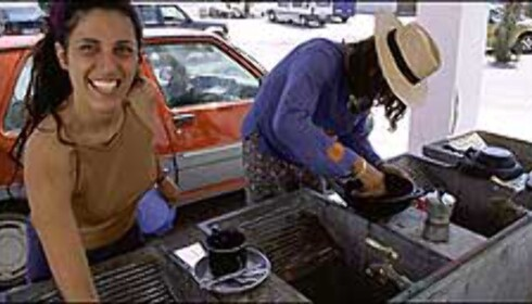 Vannkummene i hjertet av La Isleta del Moro brukes daglig. Foto: www.photito.com/ Spencer Montero