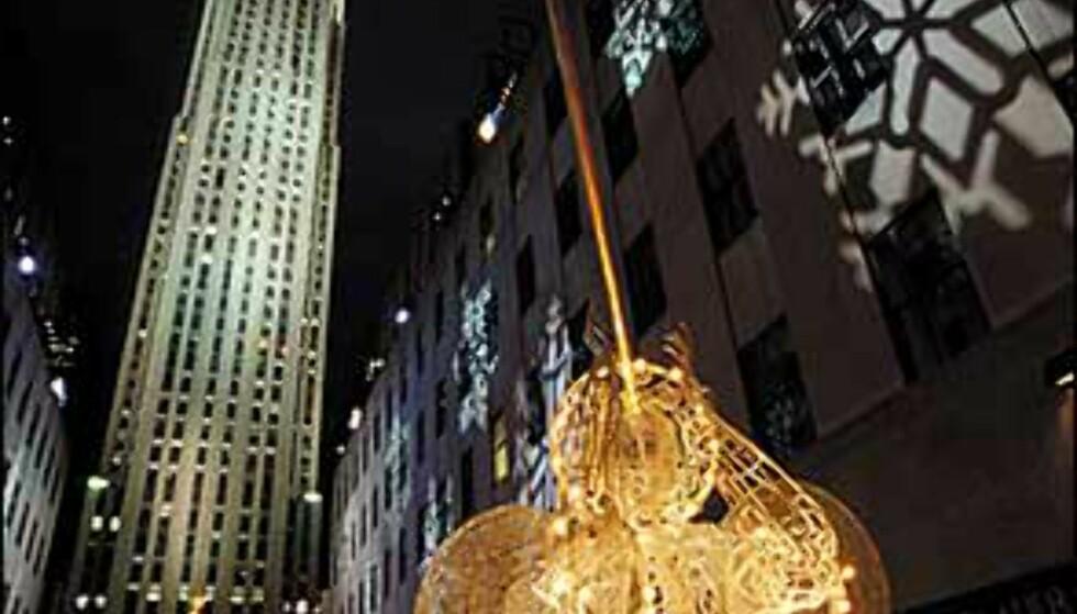 "Basunengler på Rockefeller Center. <I>Bilde: <A TARGET=""_blank"" HREF=""http://www.nycvisit.com"">Copyright Jeff Greenberg/NYC & Company, Inc."" </A></I> Foto: Copyright Jeff Greenberg/NYC & Company, Inc."