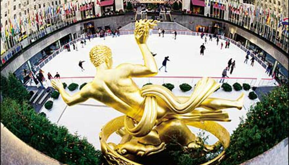 Luft jernet i sentrum av byen - skøyteis på Rockefeller Center. Bilde: Copyright Kevin McCormick/NYC & Company, Inc. Foto: Copyright Kevin McCormick/NYC & Company, Inc.