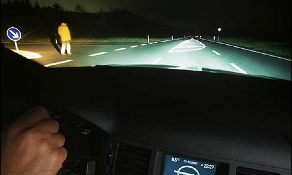 Opels sidelykter opplevd fra førersetet.