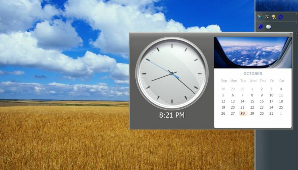 """Elementene på sidebaren kan """"løftes av"""" og forstørres, som for eksempel klokke med kalender (endelig)."""