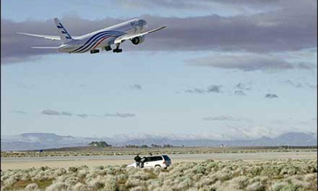 Testflygning av Boeing 777-300. Foto: Boeing