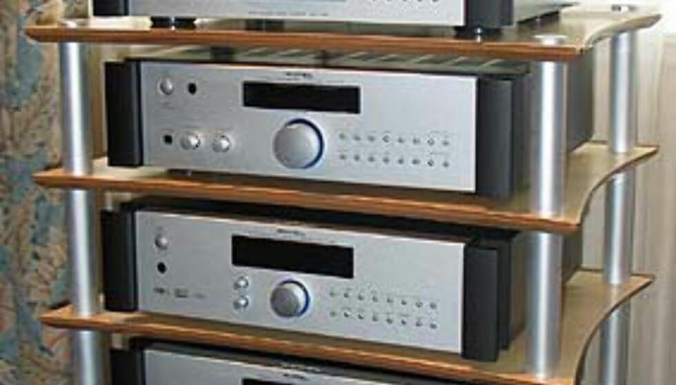 Rotel-komponenter. DVD-spilleren på toppen koster 7.995