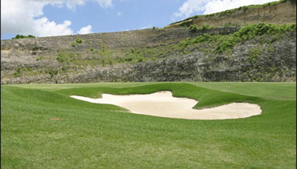 Et gammelt steinbrudd er blitt golfbane.