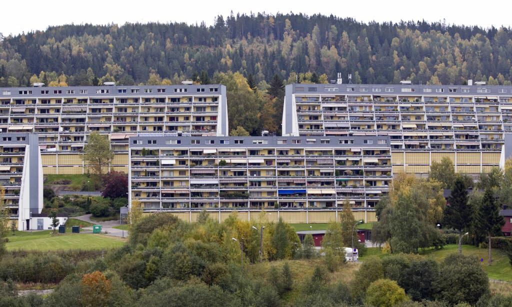 NESTEN HALV PRIS: Leiligheter i Groruddalen koster vesentlig mindre enn tilsvarende boliger i Oslo vest. (FOTO:MORTEN HOLM/SCANPIX NTB)