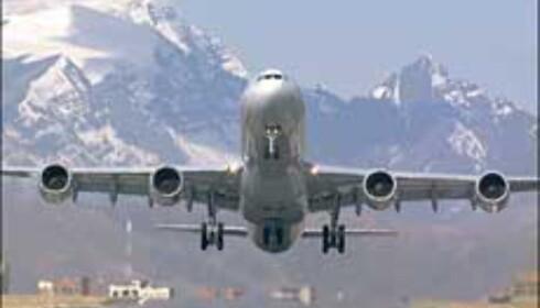 Airbus A340-600 i La Paz. Dette har plass til enda flere passasjerer enn 500-versjonen, men flyr kortere.