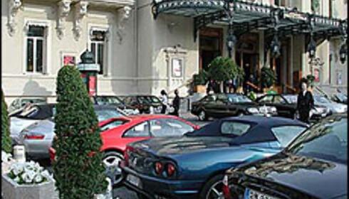 På kjøretøyet skal godtfolk kjennes, og lukeparkerer Ferrarien her.  Foto: Kristin Sørdal Foto: Kristin Sørdal