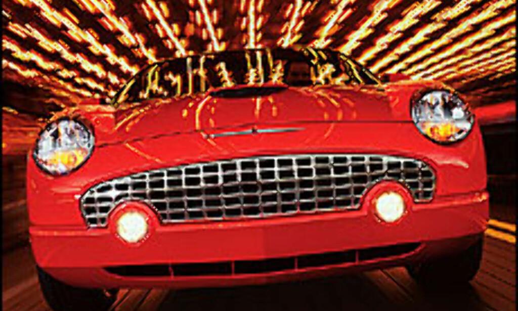 Thelma og Louise kjørte 1966 Thunderbird. Vi går for en nyere modell.<br /> <br /> <I>Foto: http://www.fordvehicles.com</I> Foto: http://www.fordvehicles.com