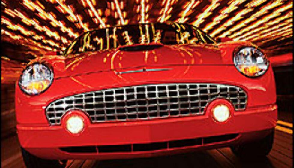 Thelma og Louise kjørte 1966 Thunderbird. Vi går for en nyere modell.  Foto: http://www.fordvehicles.com Foto: http://www.fordvehicles.com