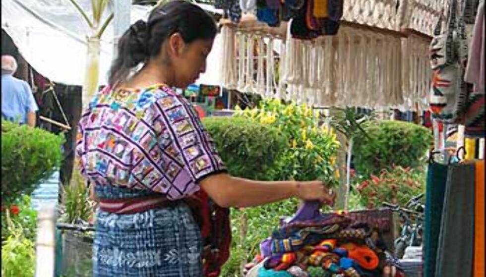 Mayaene bruker fremdeles tradisjonell klesdrakt. Foto: Lene Heiberg