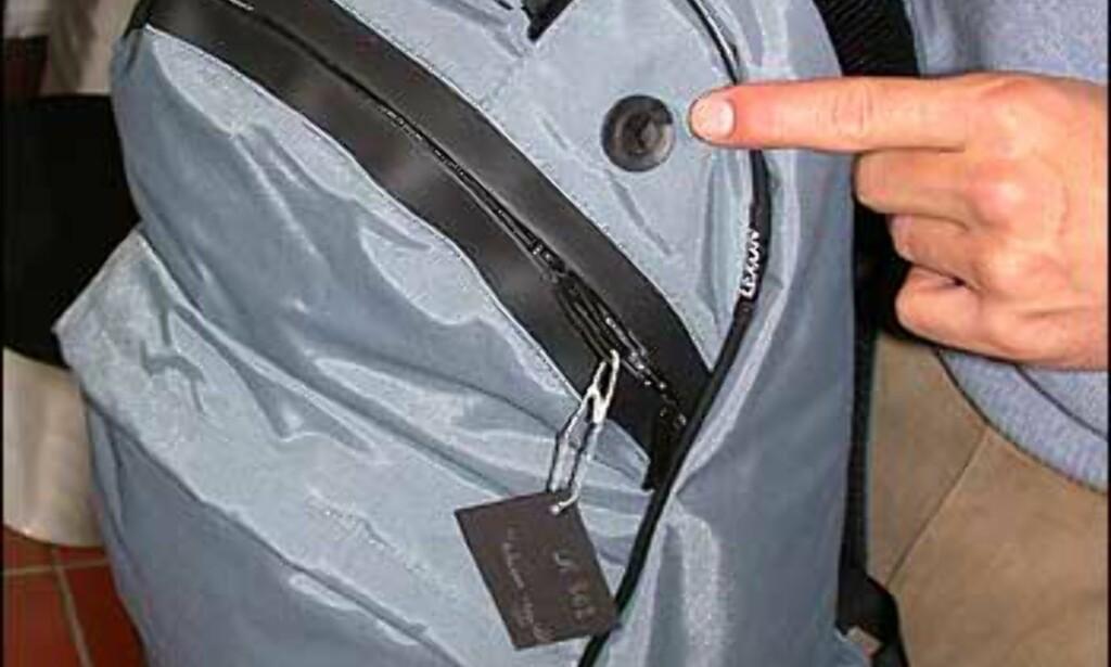 Mer for travle reisende; Lexon har en serie med sportsbager, der gummiert hull til handsfree er en del av utstyret. Ryggsekken koster 575 kroner.
