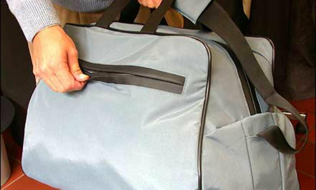 Samme serie fra Lexon - en sportsbag med gummiert underside og ekstra beskyttede glidelåser. Denne koster 790 kroner.