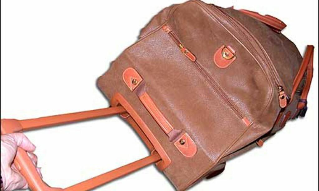 Koffertbag fra Brics, med hjul og trillehåndtak. Prisen er 2.995 kroner hos Steffen.