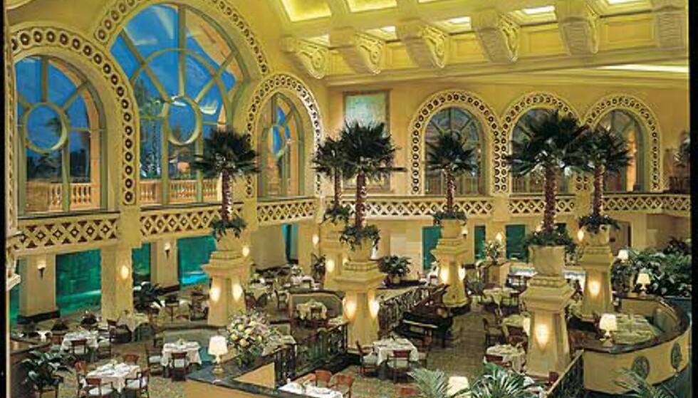 The Great Hall of Waters heter bygget hvor denne kafeen befinner seg. Foto: Kerzner