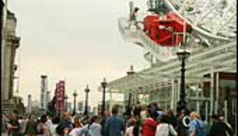 Kø til London Eye. Foto: Stine Okkelmo