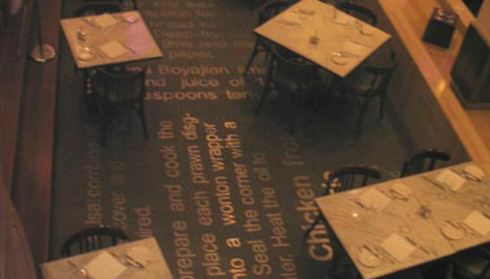 Oversiktsbilde restauranten i kjelleren til Mutiara