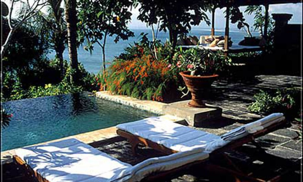 Privat basseng og egen villa på Ritz-Carlton på Bali.
