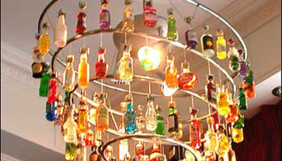 Lysekrone - av flasker.