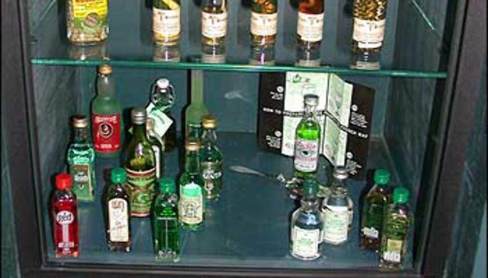 I safen står andre farlige varer - for eksempel de som er basert på cannabis. Eller flasker med småslanger i ...