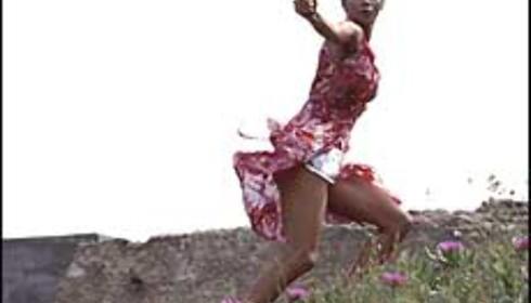 """Halle Berry spiller spionen Jinx i Bond-filmen """"Die Another Day"""".  Foto: Fox Film"""