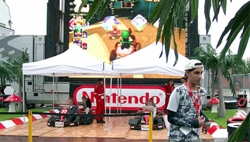 Nintendo plasserte seg i friluft, men dessverre regnet det en del i løpet av messen