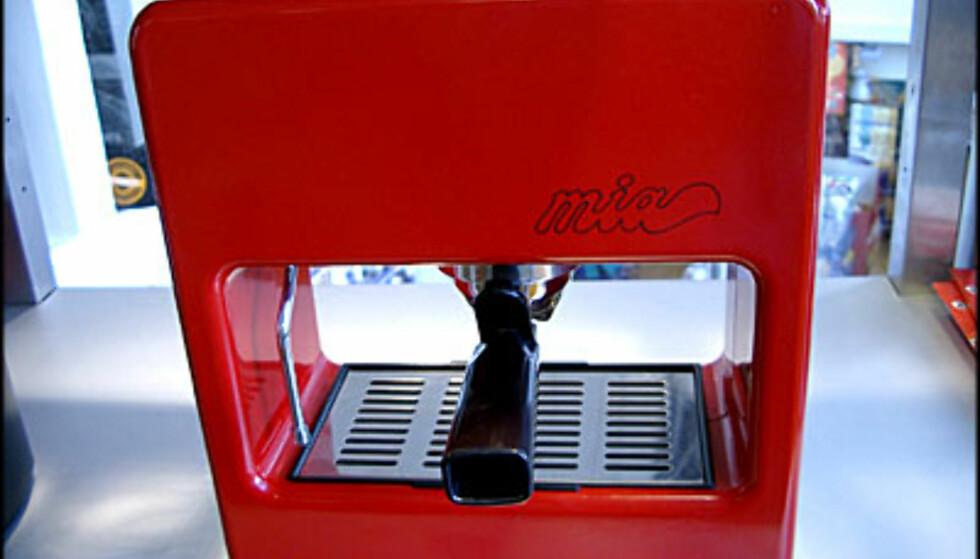 Uvanlig maskin i rødt. (Alle bilder: Dag Yngve Dahle).