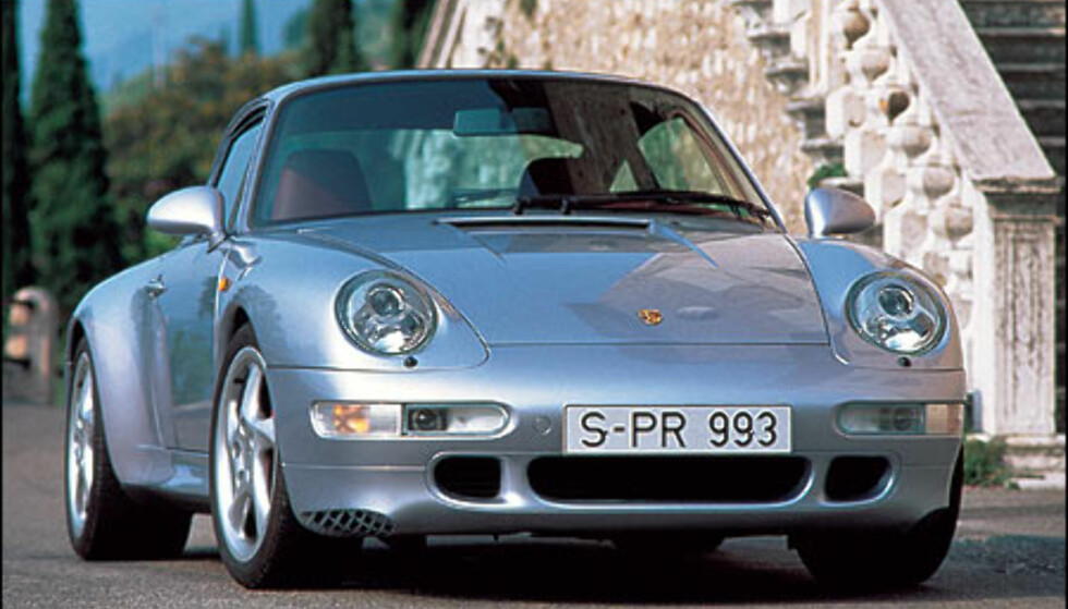 1996: 911 Carrera 4S Coupe.