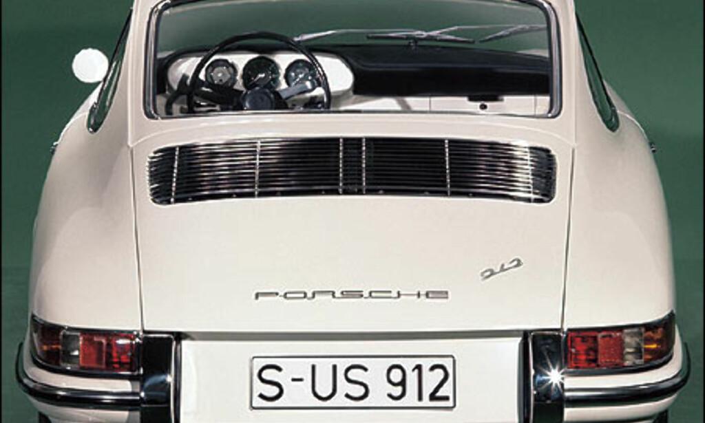 1965: Etterspørselen etter en billig Porsche resulterte i 912 med motor fra 356.