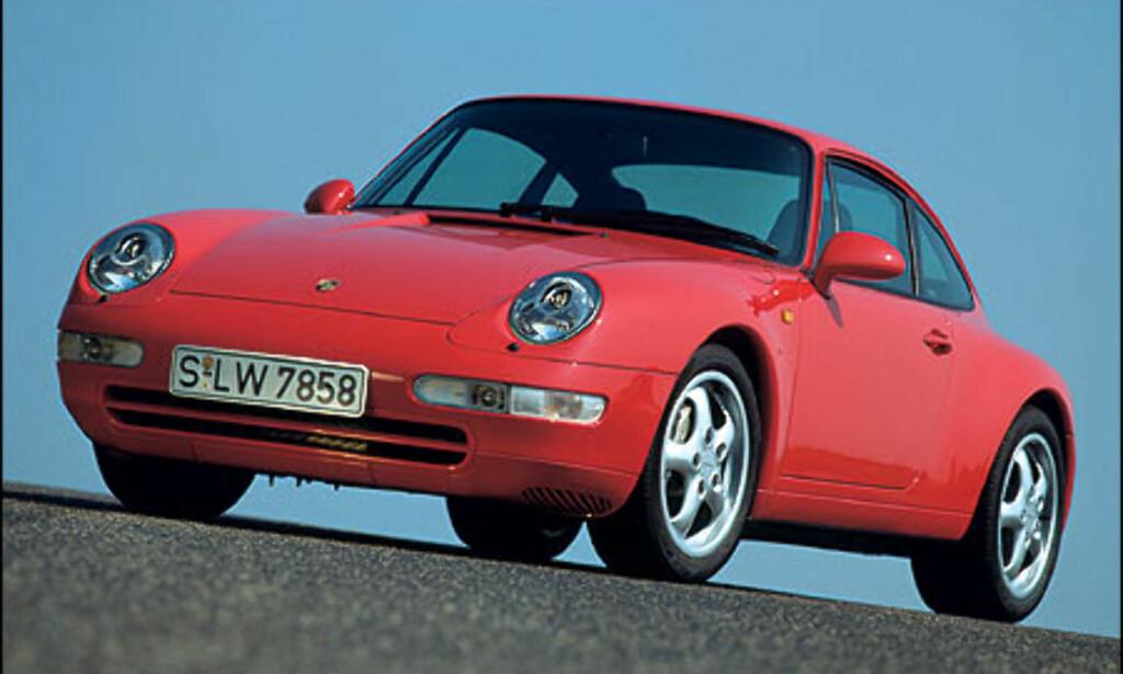 1995: 911 Carrera 4 3.6 Coupe.