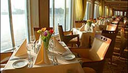 Restauranten om bord Midnatsol.