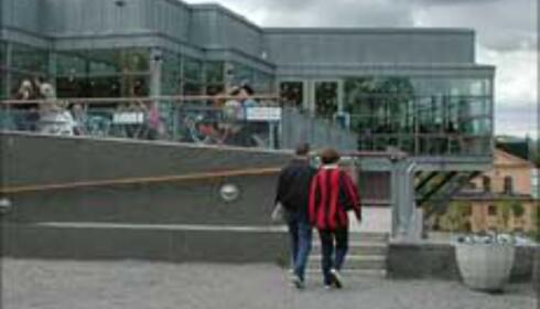 Besøk Moderna Museet.