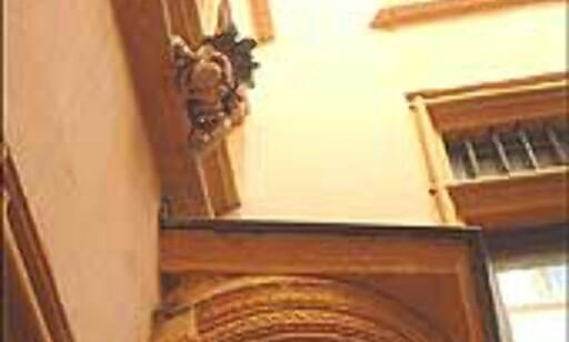 De hemmelige traboules gjemmer artige dekorasjoner. Les mer om dette i vår oversikt over byens severdigheter. Foto: Stine Okkelmo Foto: Stine Okkelmo