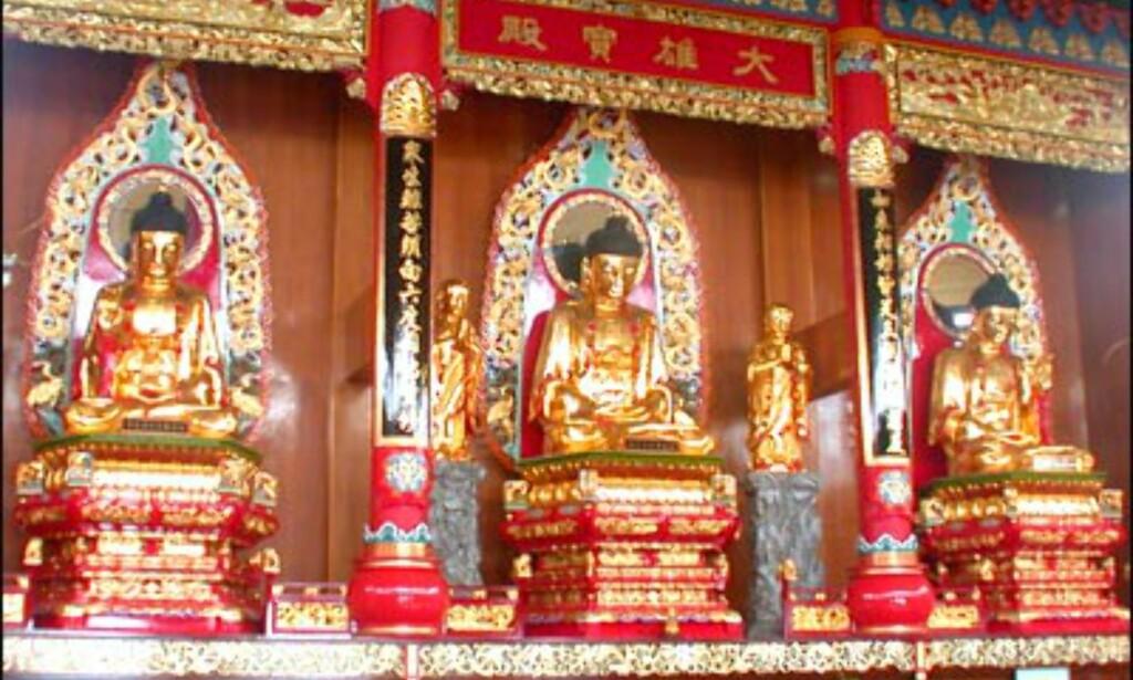 Enda flere buddha-figurer.