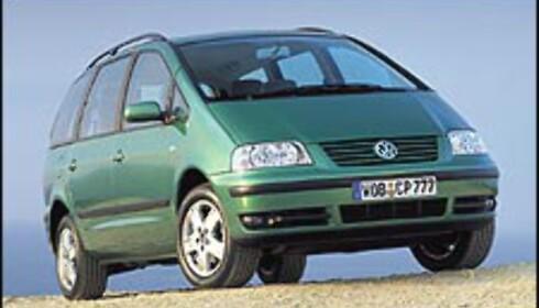 MEST SOLGT: Volkswagen Sharan var Norges overlegent mest populære flerbruksbil i 2002 og 2001.