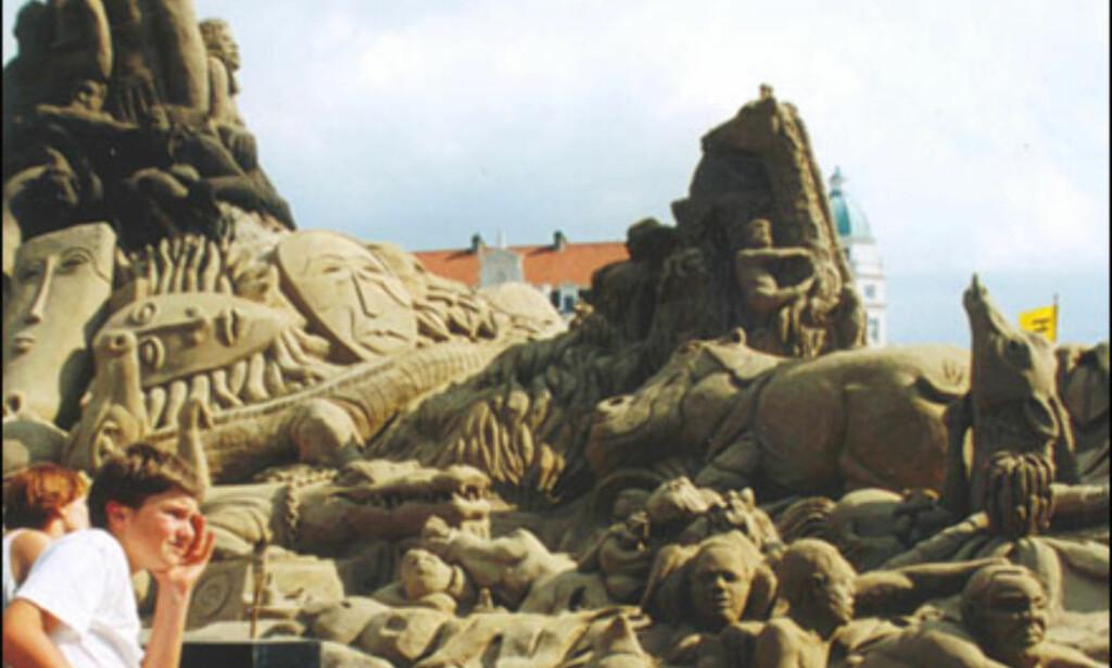Foto: Inaxi/Zeebrugge Skulpturfestival 2003 Foto: Skulpturfestival Zeebrugge