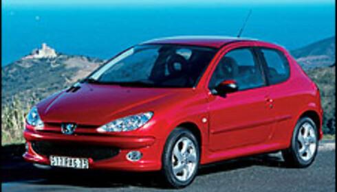 <strong>POPULÆR:</strong> Franske Peugeot 206 er blant Norges mest populære småbiler.