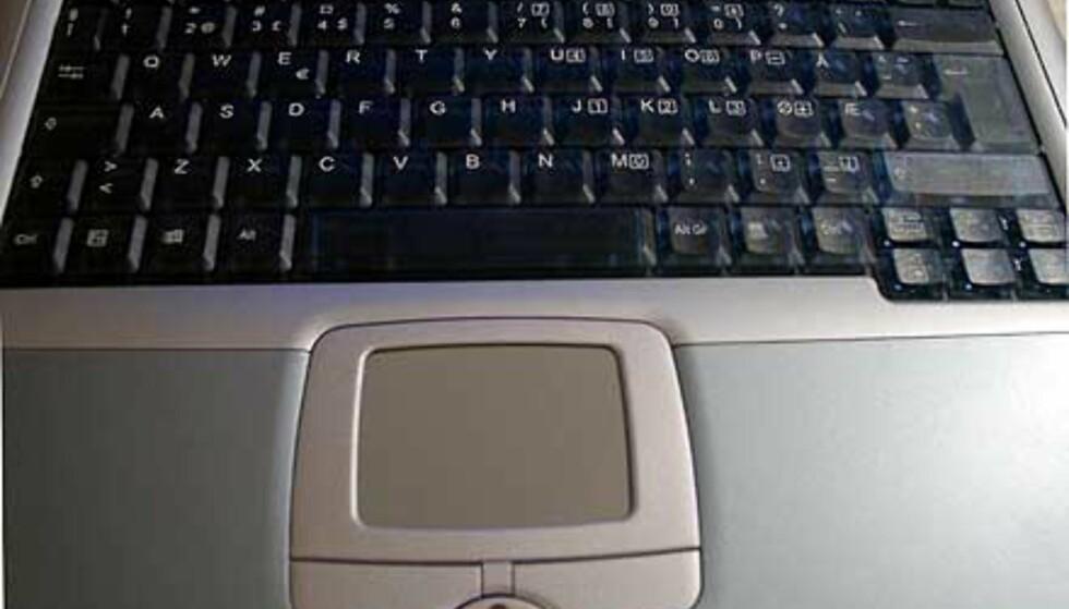Et romslig tastatur med logisk plassering av samtlige taster er slett ikke hverdagskost. Vi liker også at linjeskift-tasten er større enn de andre, og dermed også lettere å treffe for touch-guruer.