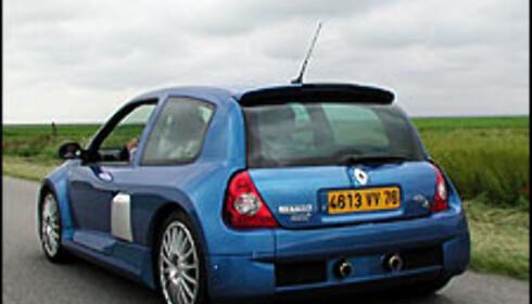 Clio V6 er 19 centimeter bredere enn en vanlig Clio.
