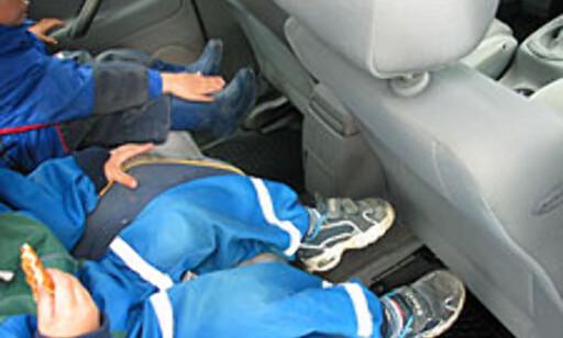Ingen plassproblemer for bena her, selv når barna sitter i barneseter.