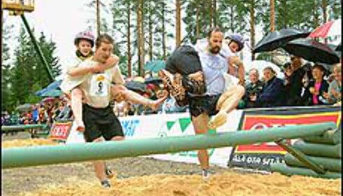 Konebæring er en krevende sport. Foto: sonkajarvi.fi Foto: sonkajarvi.fi