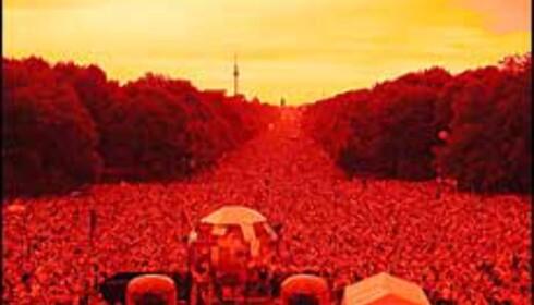 Loveparade fyller Berlins gater med musikk og mennesker. Foto: Loveparade.net