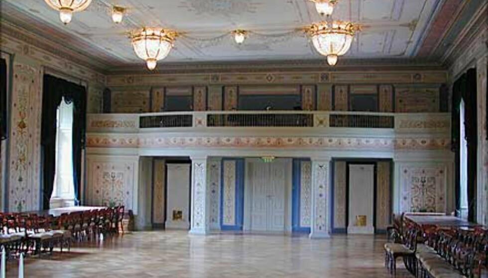 """<strong>DEN STORE SPISESAL:</strong> Dette vakre rommet dominerer høyre """"arm"""" i Slottets andre etasje."""