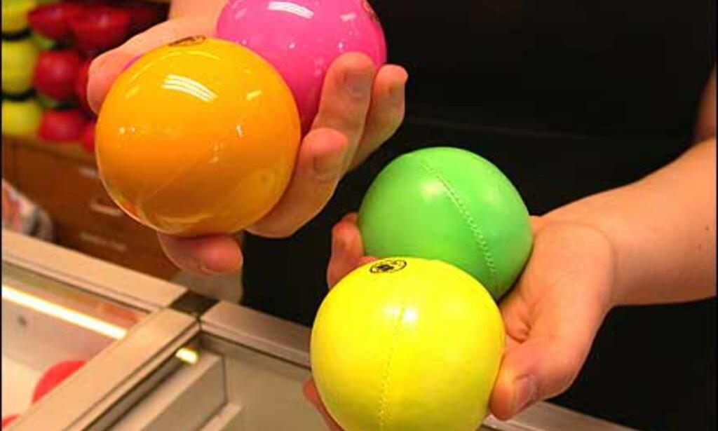 Diverse sjongleringsballer av litt høyere kvalitet og pris.