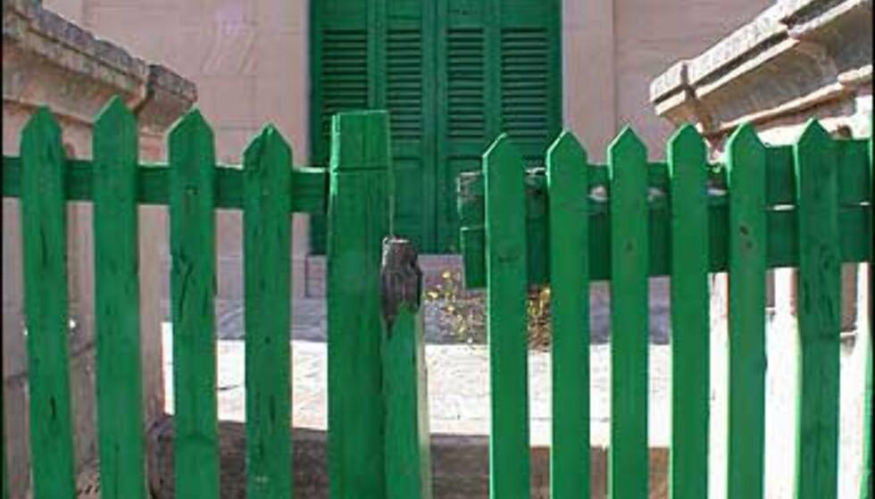 Lukket og låst - før sesongen i Cala Figuera.