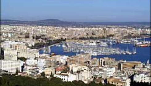 I sentrum av Palma er det dårlig med strender, men drar du noen kilometer langs kysten finner du både små og store.