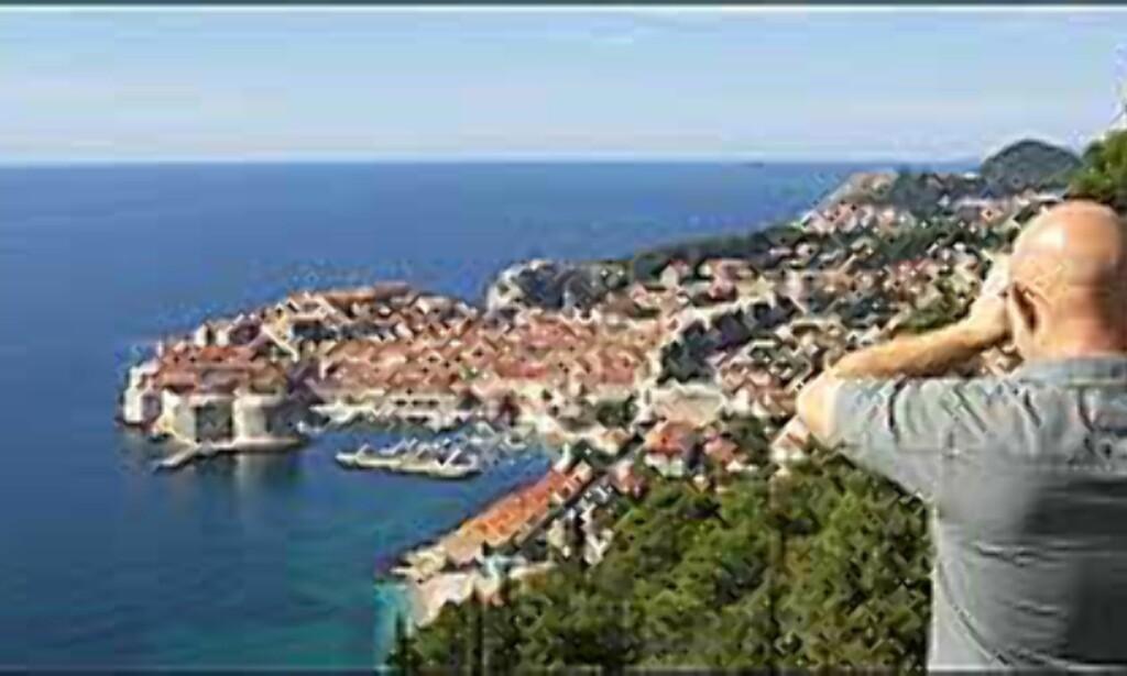 UT MOT HAVET: Opp gjennom århundrene har gamlebyen i Dubrovnik vært en<br /> ruvende festning, og et imponerende skue fra land og hav. <I>Foto: Arnt Ove og Roar A. Fordal</I> Foto: Arnt Ove og Roar A. Fordal