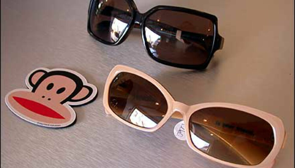 Paul Frank er et amerikansk merke som kommer med litt annerledes briller. De mørke er skikkelig 70-tallsretro, mens de i beige er mindre og litt katteaktige, med en blå stripe i plasten.  Butikk: Elton Optikk