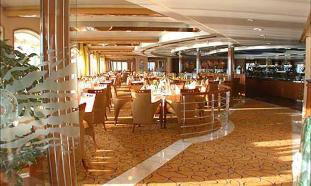 En romslig restaurant skal sørge for alle måltider til skipets passasjerer.